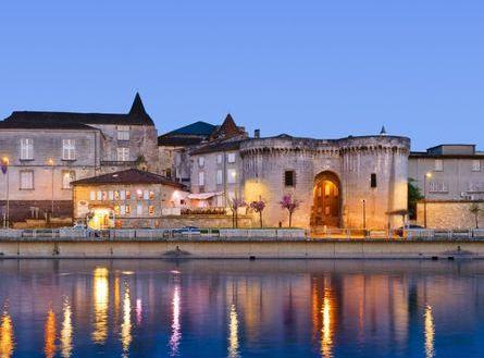 cognac ville tours saint jacques